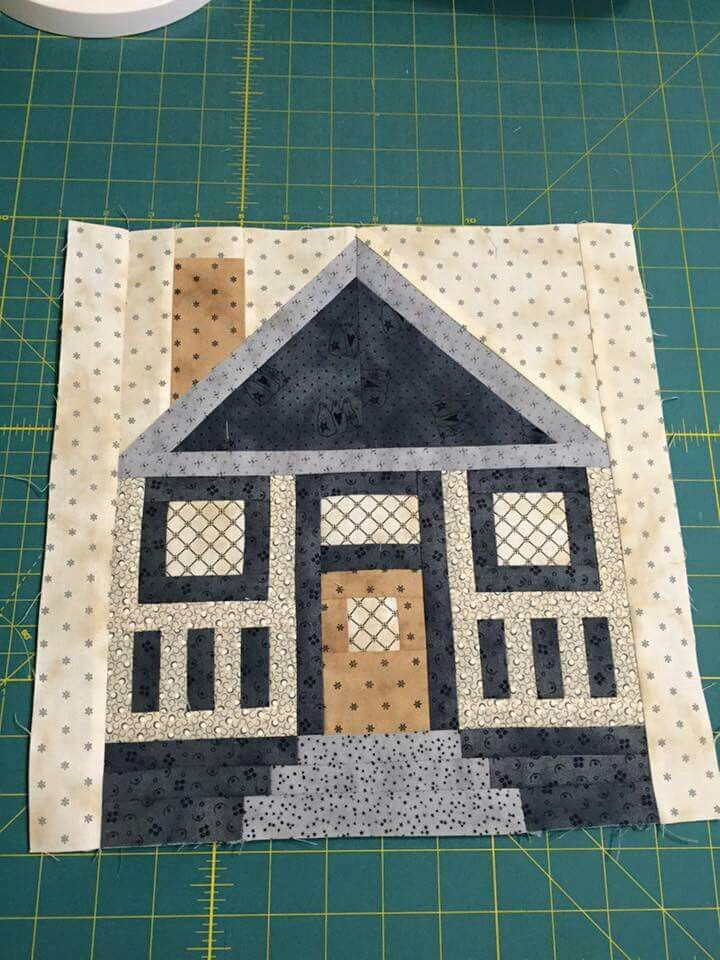 Pretty pieced cottage block