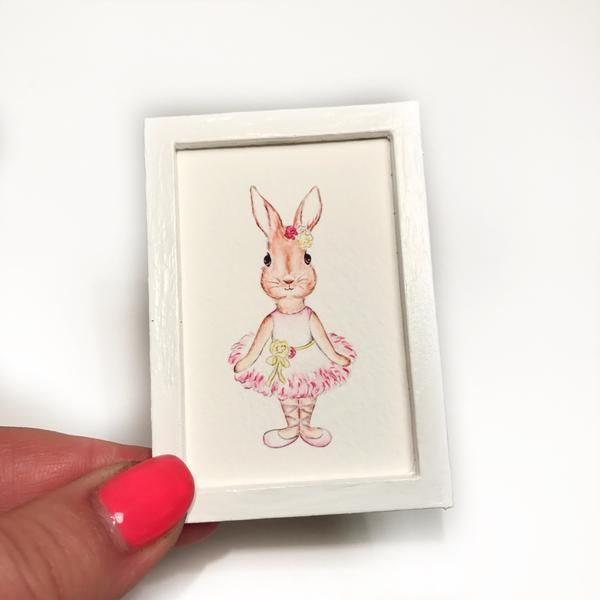 These adorable mini prints by talented artist - Tog and Pini are the perfect addition to your mini home. Art Measurements 4cm x 6cmPlease Note:Our items are made for gentle play only. They are not suitable for children under 3. We recommend them for children over 12 with adult supervision.