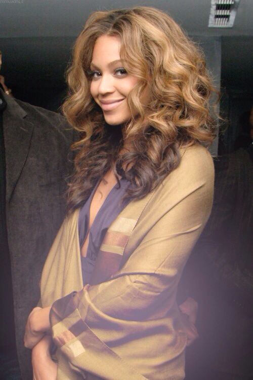 ***Try Hair Trigger Growth Elixir*** ========================= {Grow Lust Worthy Hair FASTER Naturally with Hair Trigger} ========================= Go To: www.HairTriggerr.com ========================= Beyonce's An Effortless Beauty!