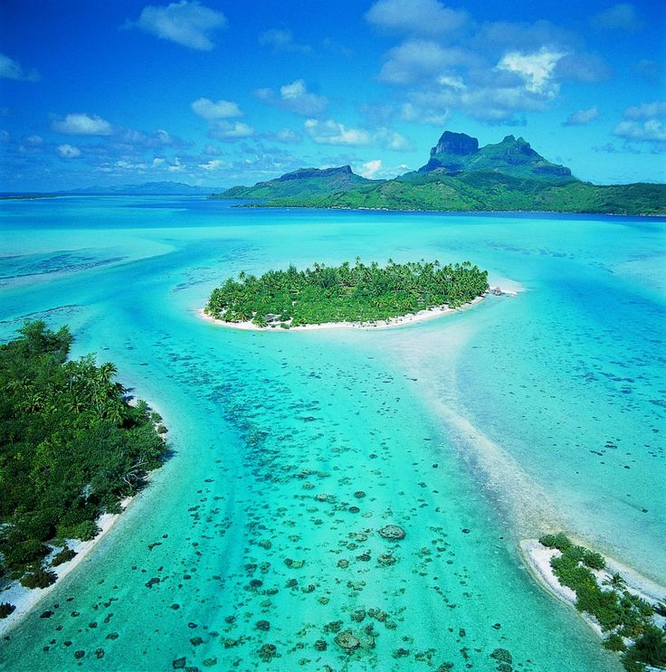 Fall in love wtih Bora Bora from the plane
