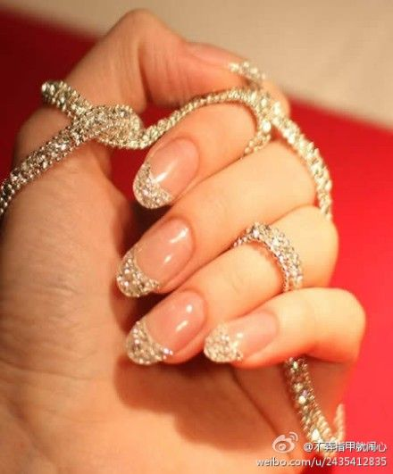 nails jewelry