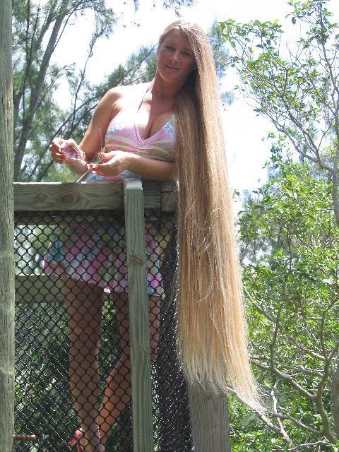 Leona at www.longhairdivas.com | pretty long hair 2 | Long ...