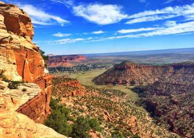 Top Utah travel destinations include skiing in Salt Lake City and Park City, golf in St. George, boating on Lake Powell, exploring Zion and much more.