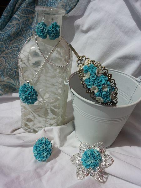 diadema flores turquesa de ARTPERSONAL por DaWanda.com