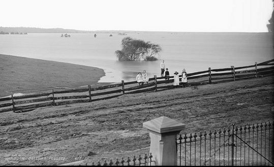 Hawkesbury River floods. Although there have been numerous floods since European settlement, there has been nothing like the 1867 disastrous flood. It was almost 100 years later when floodwaters rose to 15.1m mark. A relatively short time later, in 1964 another flood occurred, the river rising 14.51m.