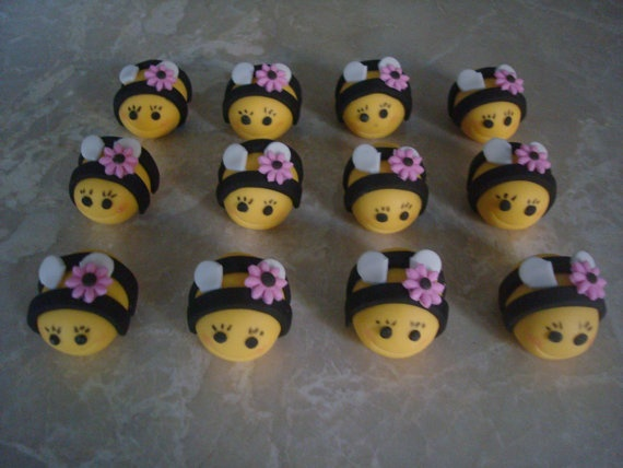 Edible Fondant 3D Bumble Bees Cupcake Toppers By Burgundycakes 1600