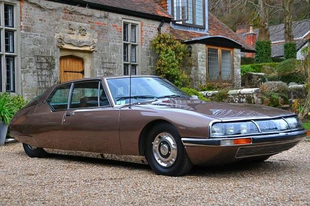 This 1974 Citroen SM appears to be on offer by one of our favorite Instagram users, whose feed is full of immaculate DS's, SM's and 60's Mercedes Benz products photographed around a beautifully landscaped Tudor mansion. Little information is provided on this particular car, but it loo