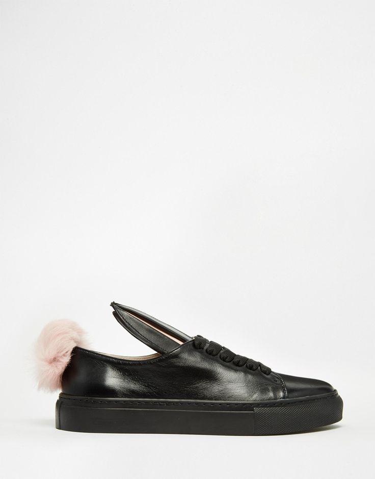 Immagine 2 di Minna Parikka - Scarpe da ginnastica in pelle nera con orecchie e coda di coniglio in pelliccia sintetica