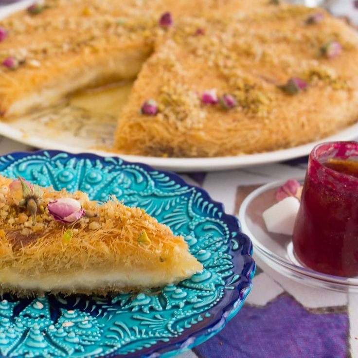 كنافة المقادير 1 كيلو كنافة 2 كوب سمن ذائب لتجهيز الحشوة Hot Dog Buns Arabic Sweets Food