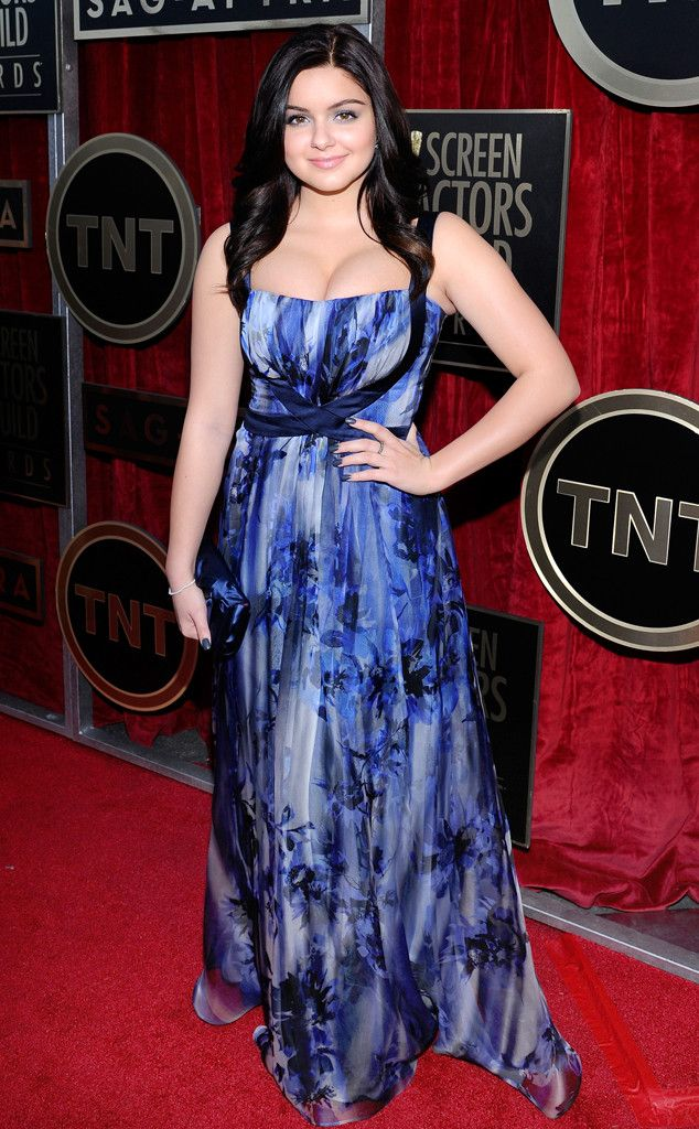 Ariel Winter (Alex Dunphy- Modern Family) in Badgley Mischka I just love how simple but gorgeous this dress is, and lovely colours too