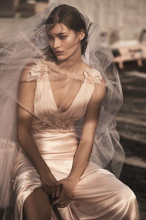 Topshop dévoile sa première collection bridal de robes de mariée | Vogue
