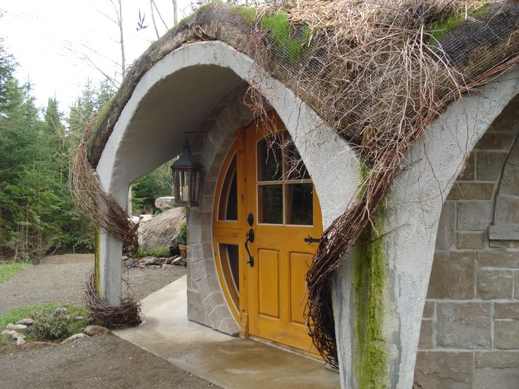"""Ecolodge - A """"hobbit""""-looking house in Eastman! 