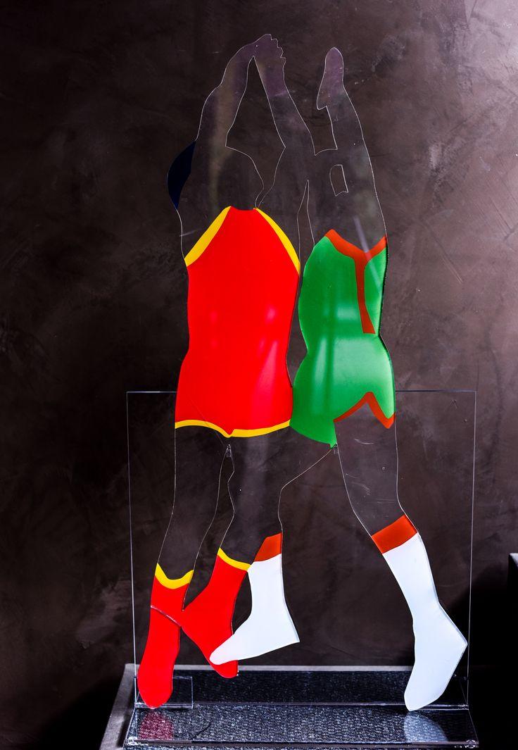 Giocatori di basket su base di  plexiglass. #marcolodola #annabella #pavia #plexiglass #basket #art #artistic #design