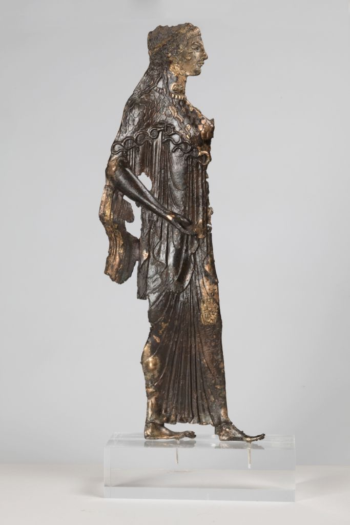 Τhe other dedications | Acropolis Museum. Athena on a double-sided gilt metal sheet Finely worked representations of Athena on the two sides of a gold-plated bronze sheet. Around 530 BC (NAM Χ 6448)