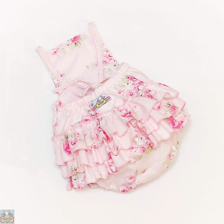 Ruffled Romper #playsuit #babyclothes #moocuzzi #handmade #ruffledromper #love