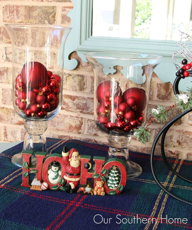Our Southern Home | Outdoor Christmas Vignette | http://www.oursouthernhomesc.com