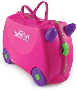 Trunki / Trixie  TRUNKI ER EN KUFFERT PÅ HJUL – DESIGNET TIL BØRN PÅ FARTEN  Børnene kan pakke deres Trunki med alt deres yndlings legetøj, køre på den, sidde på den, trække den eller blive trukket af deres forældre. www.farmorsoutlet.dk