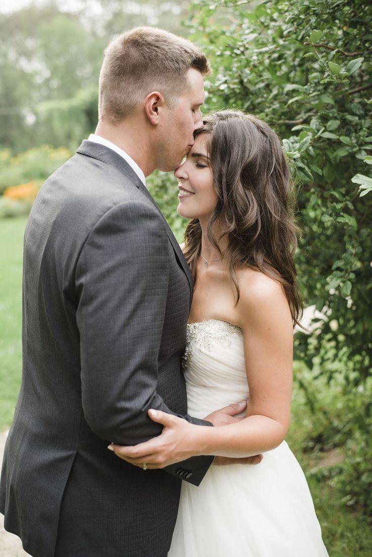 Colbourn Lodge Toronto, engagement and Wedding Photography Toronto, Ontario