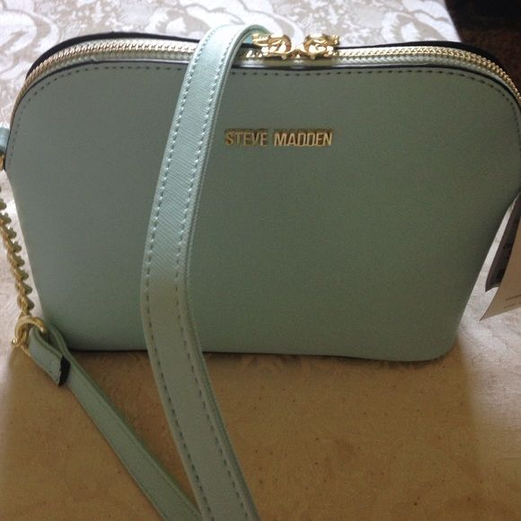 Steve Madden mint green crossbody purse bag Brand new with tags , tag says its light blue but it looks seafoam blue to minty green Steven by Steve Madden Bags Crossbody Bags