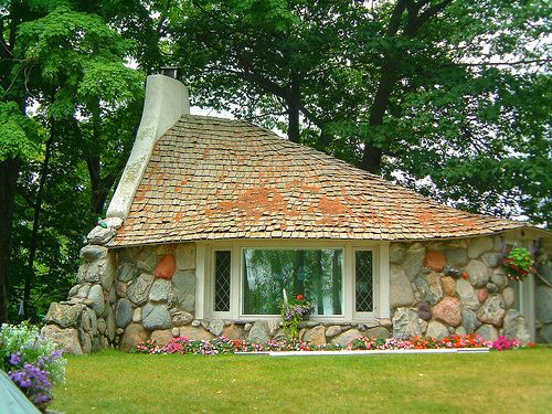 Fairy tale cottage house plans tiny house eye candy for Stone cottage plans and photos