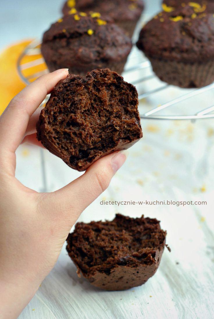 Moje Dietetyczne Fanaberie: Razowe muffiny kakaowo - pomarańczowe, bez słodzenia!