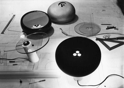 Lámpara de Mesa Snoopy de Flos. Diseñada por Achille Castiglioni and Pier Giacomo Castiglioni en 1967