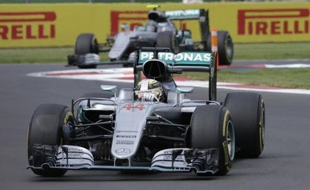 By Alan Baldwin  MEXICO CITY (Reuters) - Lewis Hamilton won the Mexican Formula One Grand Prix on Sunday to cut Mercedes team mate Nico Rosberg's lead to 19 points and prevent the German taking his first title with two races to spare.  The pole-to-flag victory was the triple world champion's