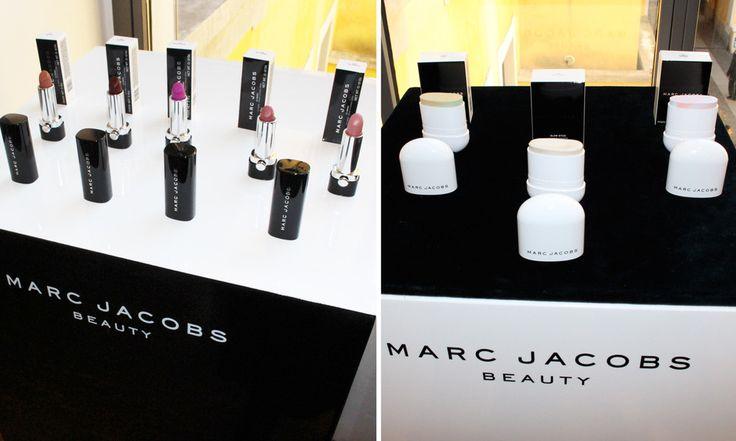 Marc Jacobs rossetti, illuminanti, correttori, matite occhi - http://www.beautydea.it/marc-jacobs-rossetti-illuminanti-correttori-matite-occhi/ - E' tempo di novità in casa Marc Jacobs Beauty con i nuovi rossetti Le Marc, i correttori e illuminanti in stick e le matite occhi in formato mini!