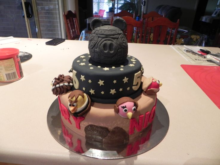 Harry & Nicks Angry Birds Star Wars Cake