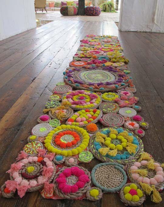 Alfombras de lana e hilo. Crochet, pompones, borlas. www.daria.com.ar