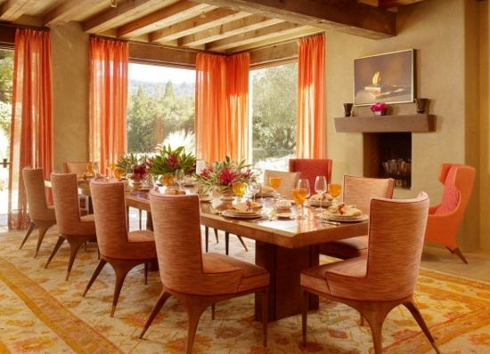 Die Farbe Orange für Ihr Esszimmer - farbe orange durchsichtige gardinen perserteppich