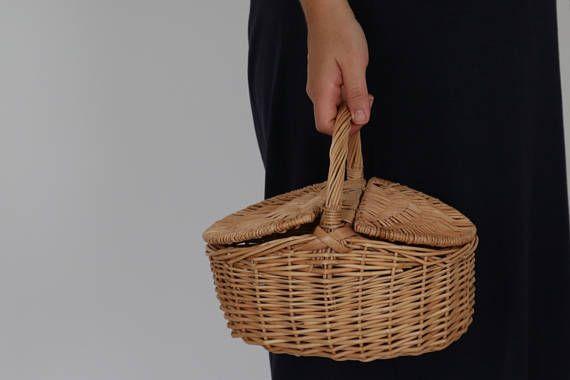 Small Wicker basket, woven picnic basket, lunch basket.
