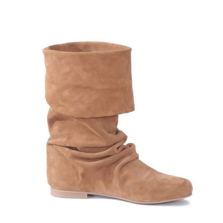 Botas de camurça #ss15 #ruga #fashion #womanfashion #boots #sandals #tennis #trainers