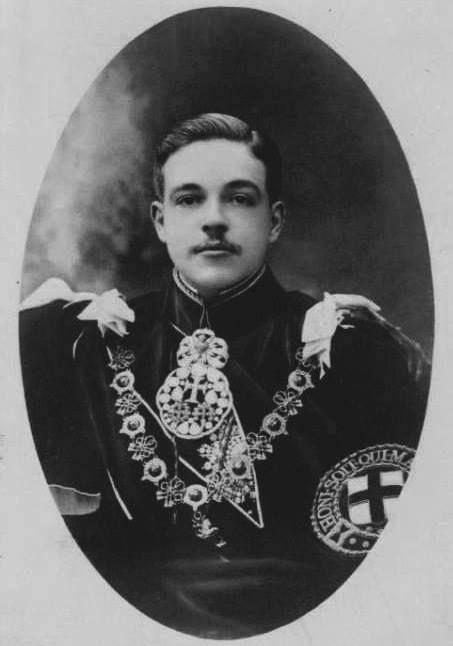 D. Manuel II, the last king of Portugal wearing the Order of Fleece badge.