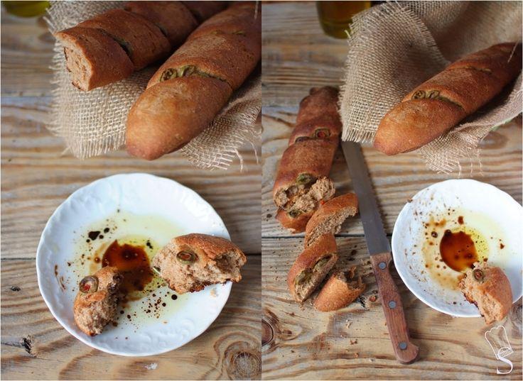 SMYKWKUCHNI: Grahamki z miodem, oliwą i oliwkami.