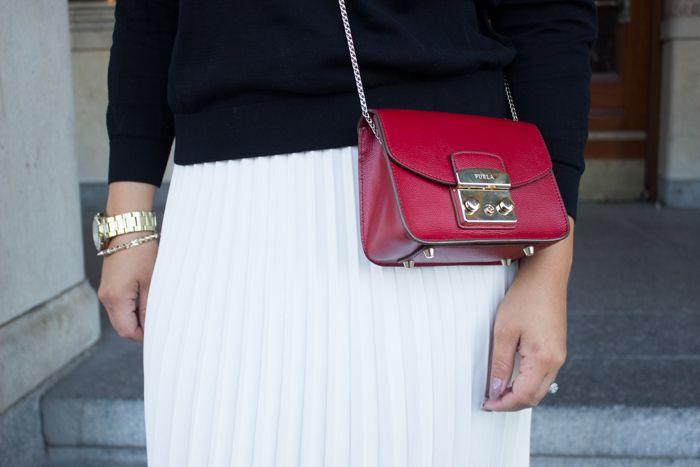 Furla red Metropolis / white pleated skirt