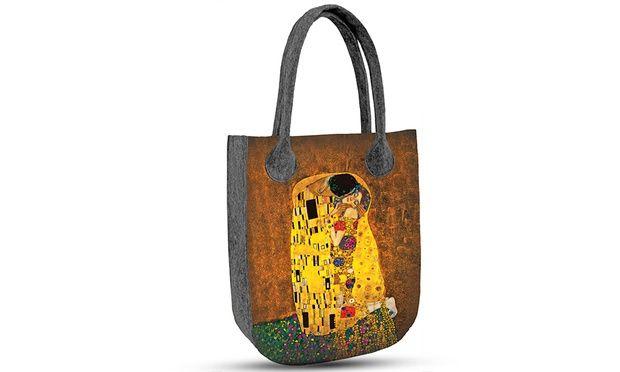 Model City:  torba filcowa o wymiarach 35 x 42 x 10 cm, zapinana na zamek, w środku kieszonka na dokumenty.
