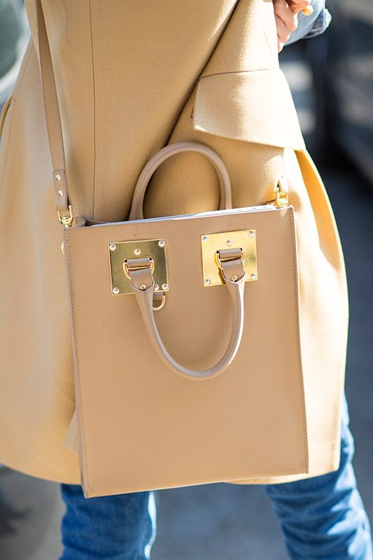 SS16 streetstyle details  Nude bag Nude coat
