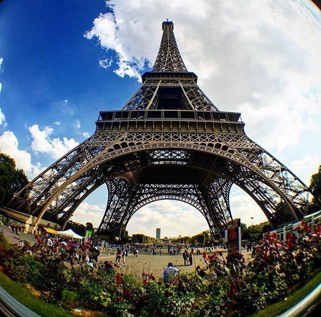 Fish eye view of the Eiffel Tower. Nice shot from @bjn_pradhan . . . . . #paris #france #法國 #巴黎 #フランス #パリ #francia #파리 #프랑스  #prancis #frankrijk #فرانسه #frança #франция #парис #ฝรั่งเศส #ปารีส #fransa #pháp #photo #photooftheday #picoftheday #eiffeltower #toureiffel #cloudporn #fisheye #instalike #instadaily #instagood