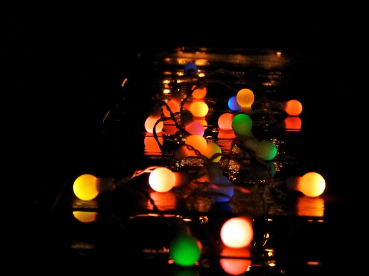 Fun solar power colour changing mini bulbs on white wire