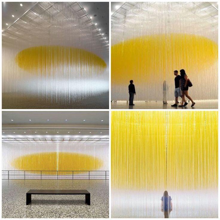 """Jesús Rafael Soto chamaria a obra cinética """"penetráveis"""", de escultura de forma geométrica e minimalista, onde no lugar da contemplação, se pode vivenciar."""