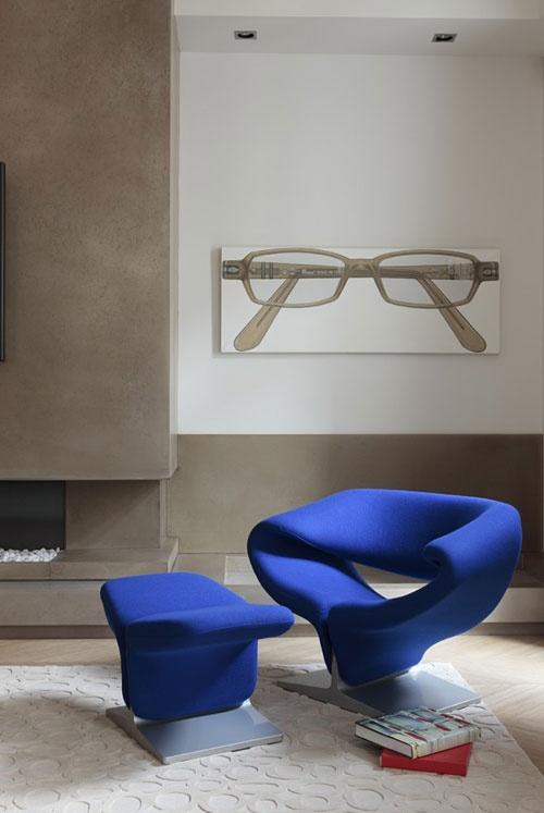 Blue Pierre Paulin ribbon chair