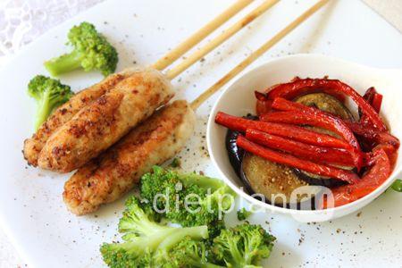 Диетический обед: люля-кебаб из куриного филе с овощами | Диетические низкокалорийные рецепты - блюда правильного питания на Dietplan.ru