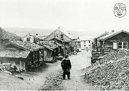 Ola Mæla øverst i Sleggveien, ca 1900, Røros.