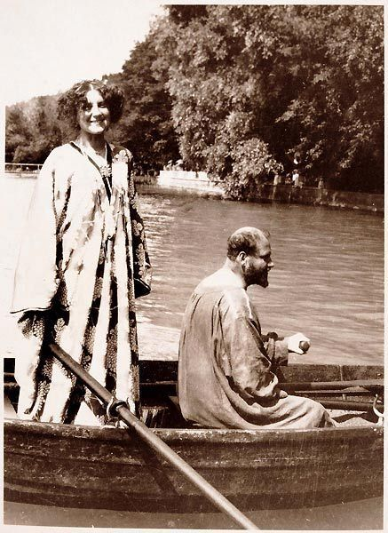 """The great painter, Gustav Klimt relaxing in a boat on a bright, sunny day.  Image courtesy of Le Divan Fumoir Bohémien"""