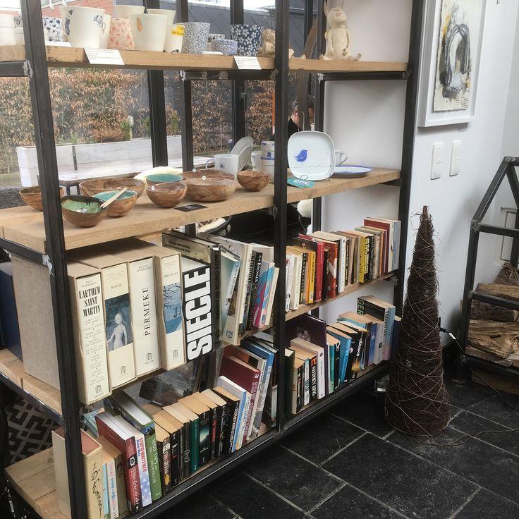 Boekenruilkast bij Koffiebar Felix in Tervuren