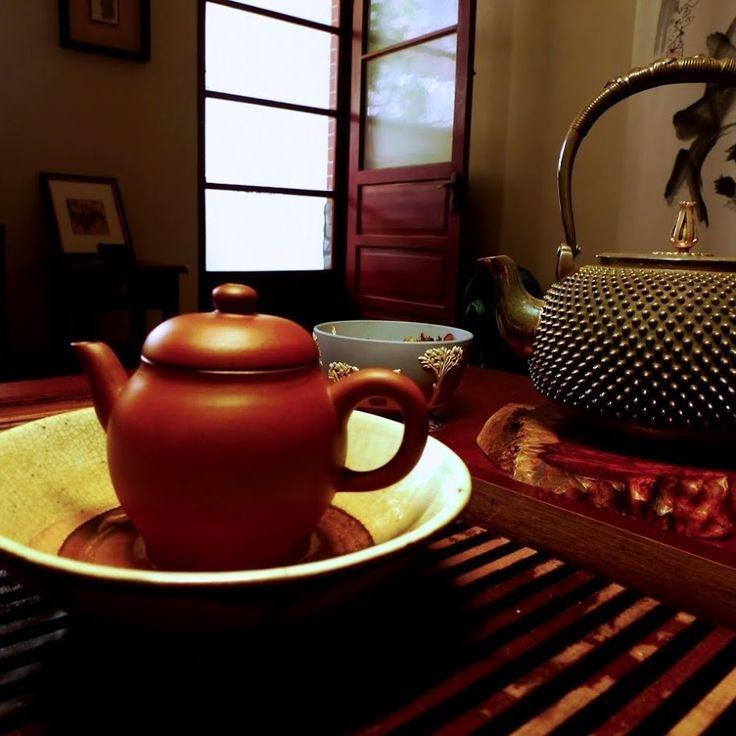 High quality Pu erh tea from famous 6 Tea Mountains of Yunnan is available at very competitive prices.