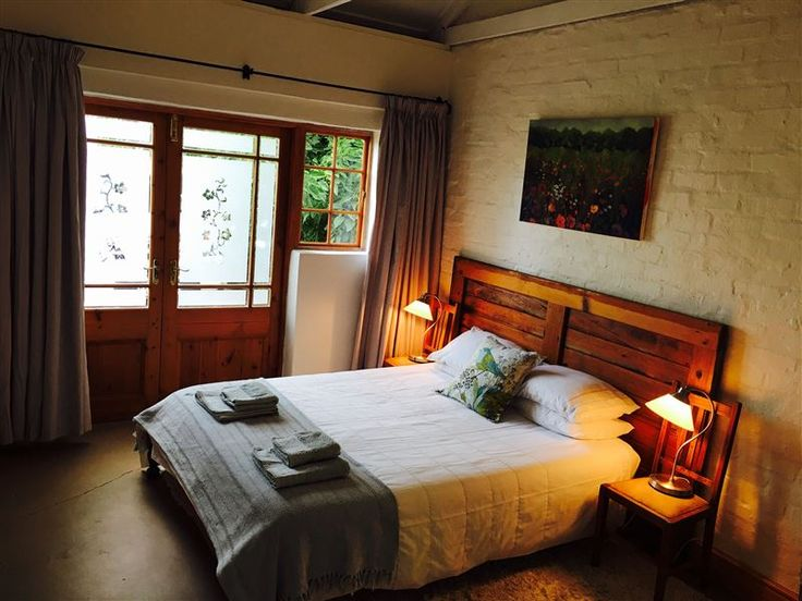 Abelia Cottage Greyton - Abelia Cottage Greyton is situated in the small town of Greyton, in the Overberg area.The cottage has one bedroom with a queen-size bed and an en-suite bathroom. There is a small kitchenette, a seating ... #weekendgetaways #greyton #southafrica
