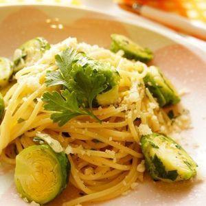 芽キャベツとパセリのアンチョビパスタ | レシピブログ