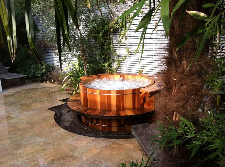Individually Crafted from the Very Best Materials   Our traditional round hot tubs are each individually crafted from nothing but the finest clear, vertical grain Western Red Cedar heartwood available.  Quality workmanship, the finest materials, 1st class customer service and almost 40 years of providing customers with nothing but the very best hot tub experience possible makes Roberts Hot Tubs the smart choice for all your hot tub needs.  Full Details Listed Below!
